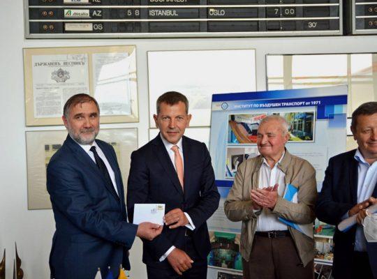 Институтът по въздушен транспорт се установи като ковачница за кадри за авио индустрията