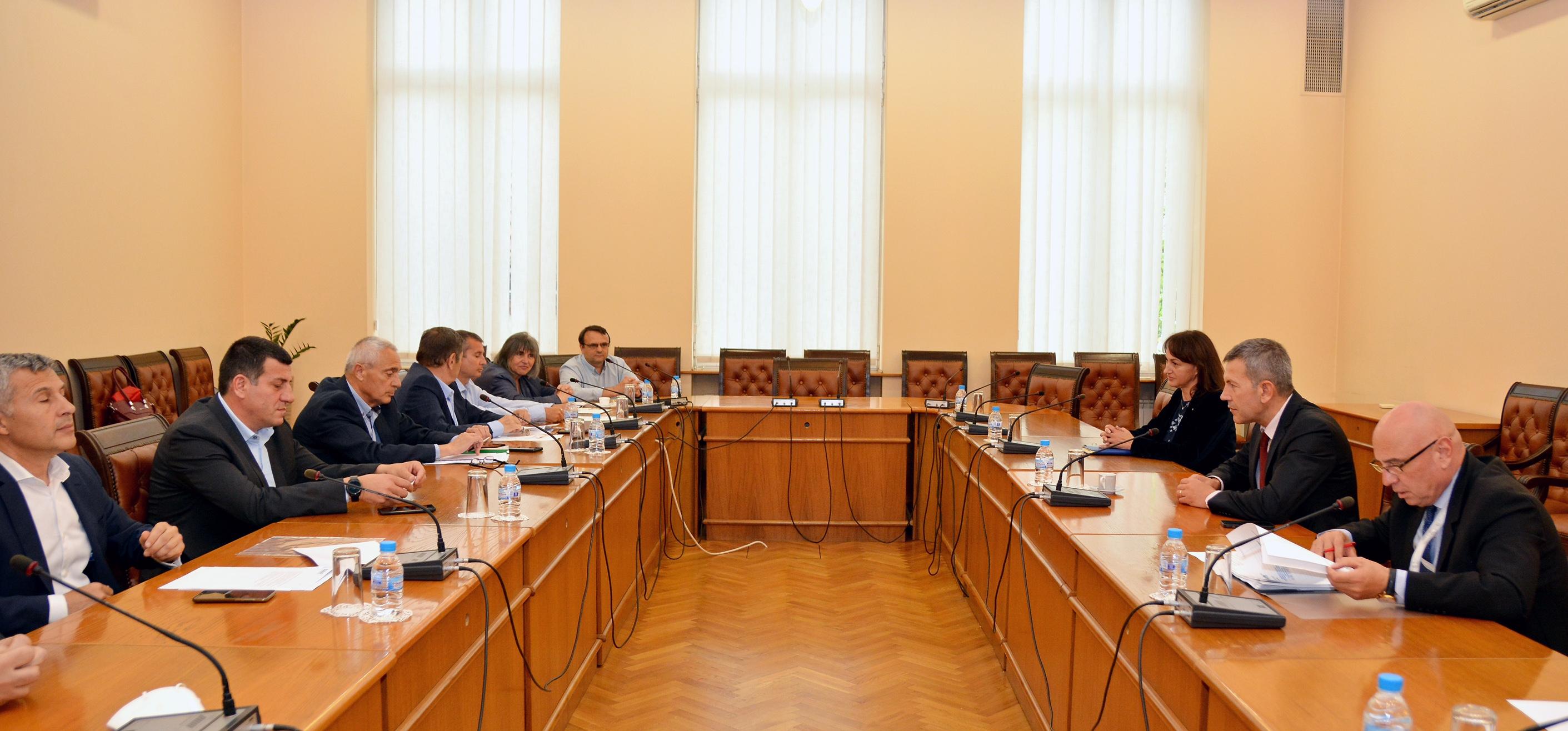 Авиационният бранш се срещна с Министър Георги Тодоров